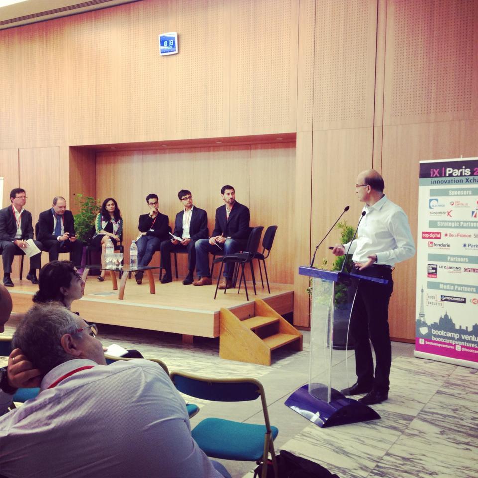 Les startups pitchent devant un parterre d'investisseurs étrangers